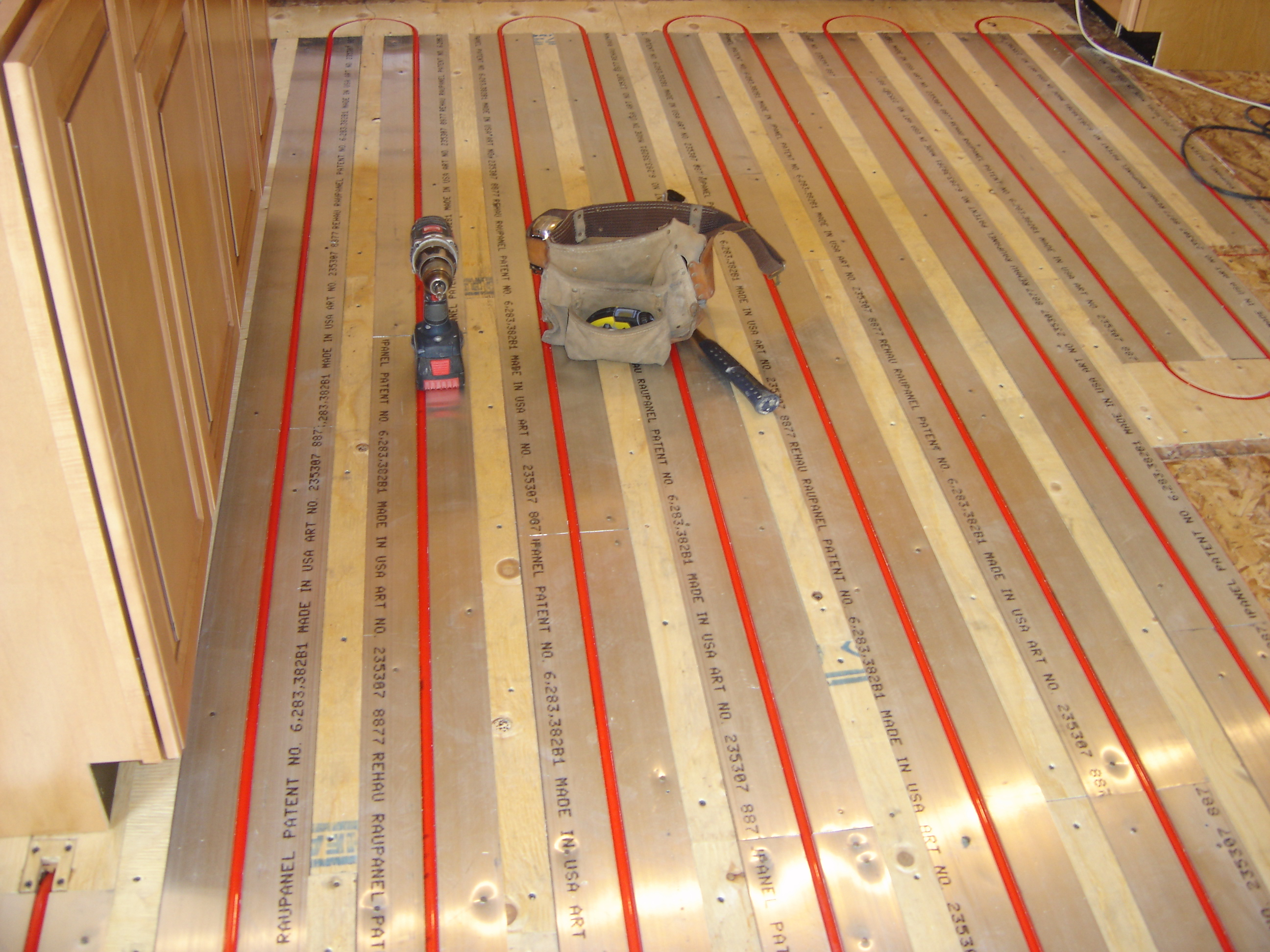 How to install radiant floor heating on subfloor gurus floor for Radiant heat flooring options